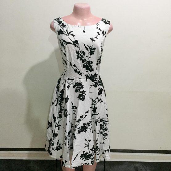 Black & White Floral Dress (Size 14-16)